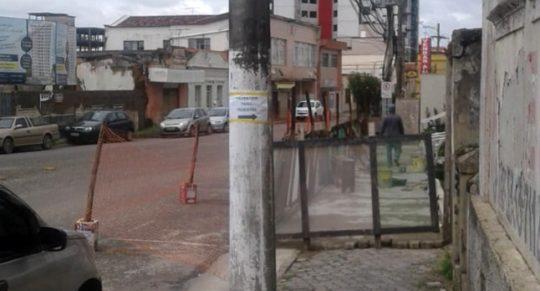 66f63aa47 Circulação de pedestres não deve ser impedida por obras. Calçadas devem ser  sinalizadas