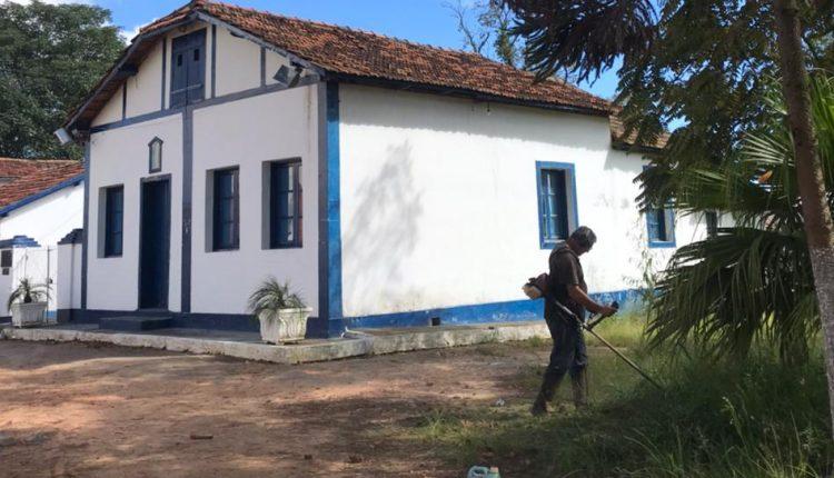 Barbacena: Departamento de Cultura inicia limpeza em museu
